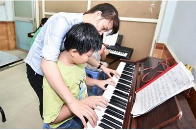 Gia Sư Dạy Piano Tại Nhà, Gia Sư Dạy Kèm Tài Năng
